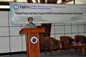 Pembicara I : Prof. Dr. Umar Fauzi