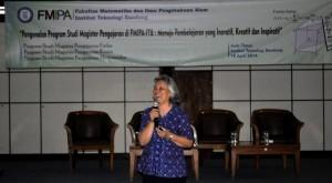 Pembicara IV : Prof. Dr. Djulia Onggo